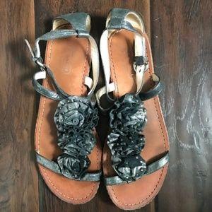 COACH Metallic Flower Gladiator Sandal Flat // 8